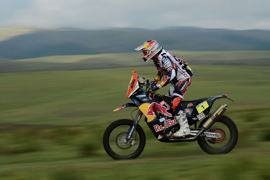 Cyril Despres of KTM Red Bull Rally Factory Team competes in stage 9 from Tucuman to Cordoba during the 2013 Dakar Rally on January 14 in Tucuman, Argentina. Photo: Shaun Botterill, Getty Images / 2013 Getty Images