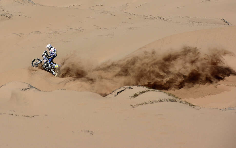 Netherlands' Franz Verhoeven competes on his Yamaha during the Stage 12 of the Dakar 2013 between Fiambala, Argentina and Copiapo, Chile, on January 17, 2013. The rally takes place in Peru, Argentina and Chile between January 5 and 20. Photo: FRANCK FIFE, AFP/Getty Images / 2013 AFP