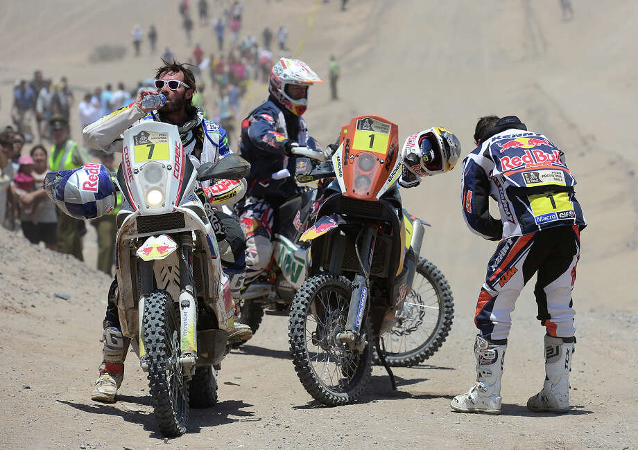Francisco Chaleco Lopez Contardo of Chile feels the heat at the end of stage 12 from Fiambala to Copiapo during the 2013 Dakar Rally on January 17, 2013 in Fiambala, Argentina. Photo: Shaun Botterill, Getty Images / 2013 Getty Images