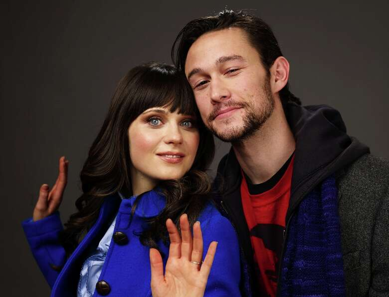 Actress Zooey Deschanel and actor Joseph Gordon-Levitt of the film 500 Days Of Summer poses for a po