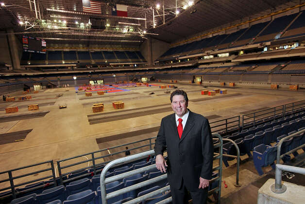 Portrait of San Antonio Sports President & CEO Russ Bookbinder Thursday Jan. 17, 2013 at the Alamodome. Photo: Edward A. Ornelas, Express-News / © 2012 San Antonio Express-News