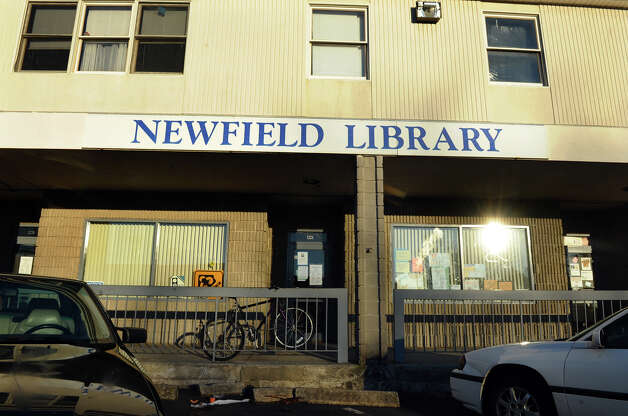 Newfield Branch of the Bridgeport Public Library on Stratford Avenue in Bridgeport, Conn. on Friday January 18, 2013. Photo: Christian Abraham / Connecticut Post