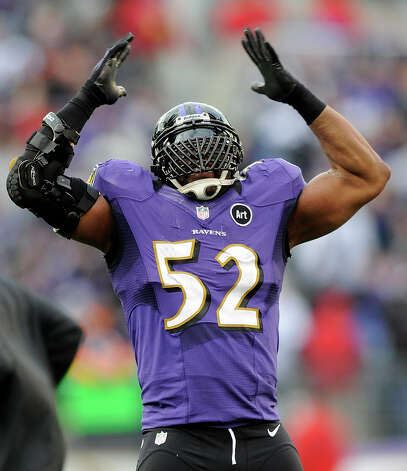 Baltimore Ravens inside linebacker Ray Lewis (52) dances near the end of the second half of an NFL wild card playoff football game against the Indianapolis Colts, Sunday, Jan. 6, 2013, in Baltimore. Baltimore won 24-9. (AP Photo/Nick Wass) Photo: Nick Wass, Associated Press / FR67404 AP