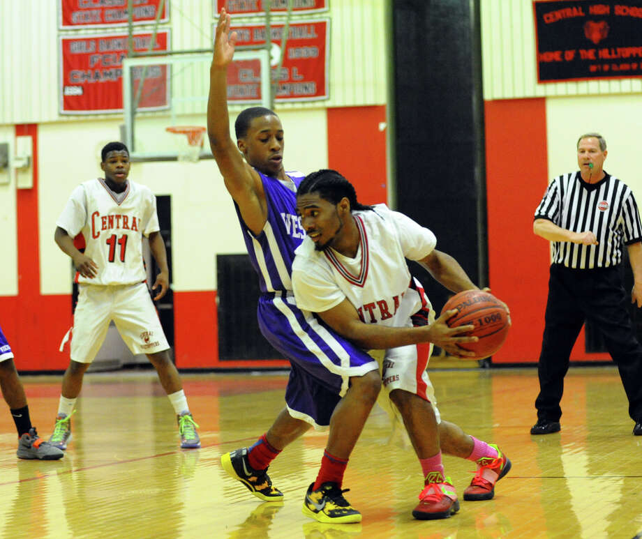 Boys basketball action between Central and Westhill in Bridgeport, Conn. on Friday January 18, 2013. Photo: Christian Abraham / Connecticut Post