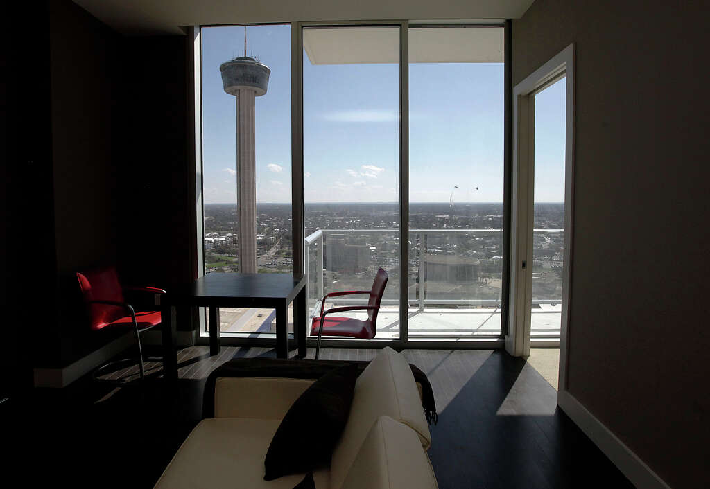 Heart of downtown doesn\'t feel like home - San Antonio Express-News