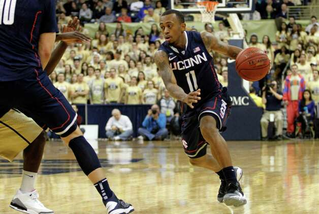PITTSBURGH, PA - JANUARY 19:  Ryan Boatright #11 of the Connecticut Huskies controls the ball against the Pittsburgh Panthers at Petersen Events Center on January 19, 2013 in Pittsburgh, Pennsylvania.  PITT defeated UCONN 69-61.  (Photo by Justin K. Aller/Getty Images) Photo: Justin K. Aller, Getty Images / 2013 Getty Images
