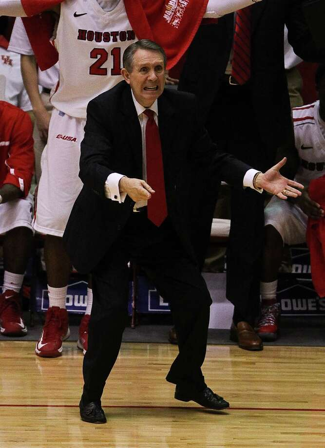 Houston head coach James Dickey screams at an official after his player was called for stepping on the line during the second half. Photo: Nick De La Torre, Houston Chronicle / © 2013  Houston Chronicle