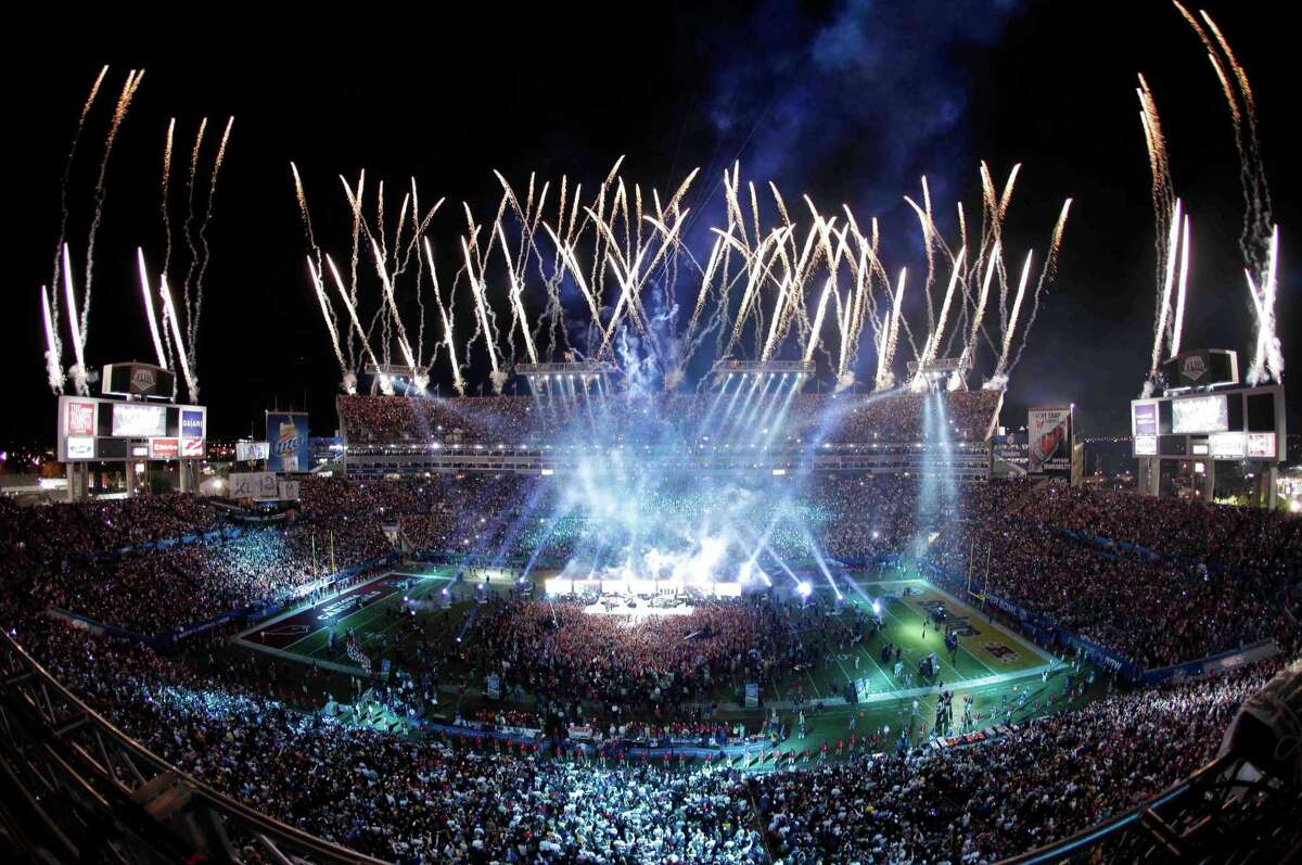 Most memorable half-time shows ever There have been 50 years of Super Bowl games and over the past few decades, the half-time performances have gotten more and more memorable. Continue clicking to read about our picks for the most memorable half-time shows ever.