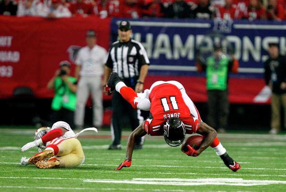 Atlanta Falcons wide receiver Julio Jones (11) catches a pass int he first quarter of the San Francisco 49ers game against the Atlanta Falcons in the NFC Championship game at the Georgia Dome in Atlanta, GA., on Sunday January 20, 2013. Photo: Michael Macor, The Chronicle / ONLINE_YES