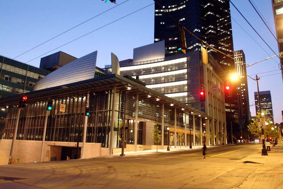 CLOSED: Courts and city buildings You won''t be able to pay your parking tickets at Seattle Municipal Court Monday, but if your buddy's in jail there still are visiting hours. So at least you have that. (Erik Stuhaug/Seattle Municipal Archives)