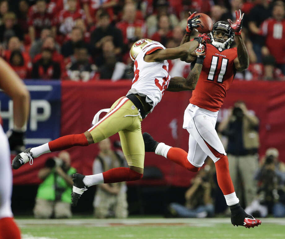 Falcons receiver Julio Jones hauls in a catch. Photo: Mark Humphrey