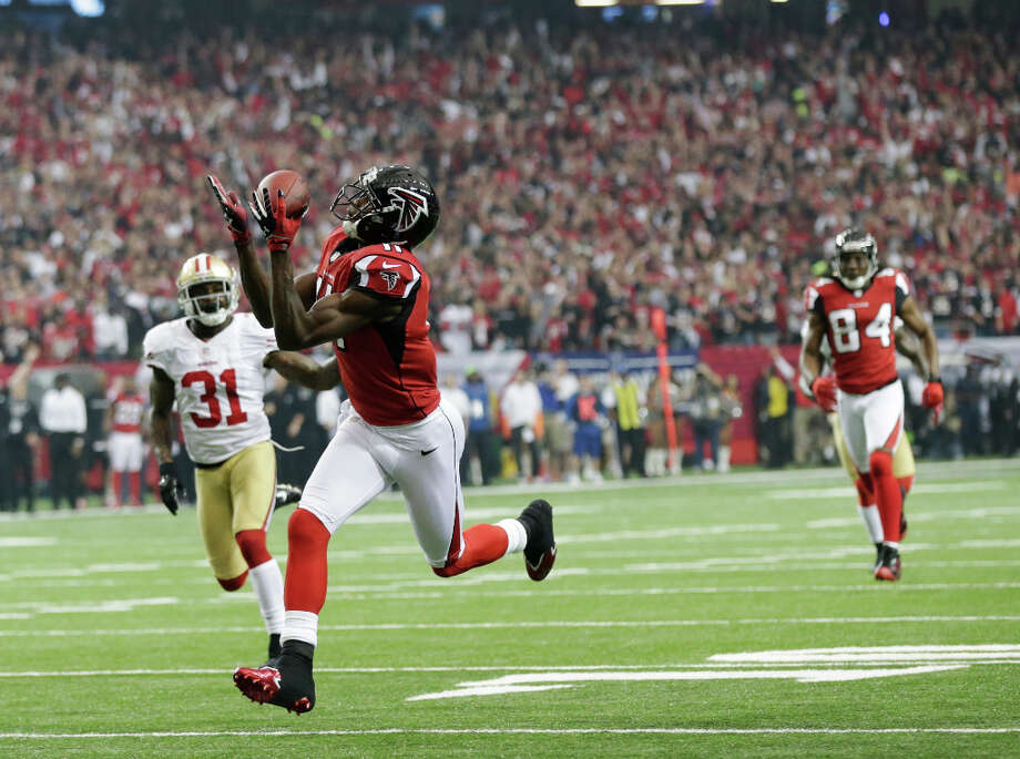 Falcons receiver Julio Jones is wide open for a 46-yard touchdown. Photo: Dave Martin