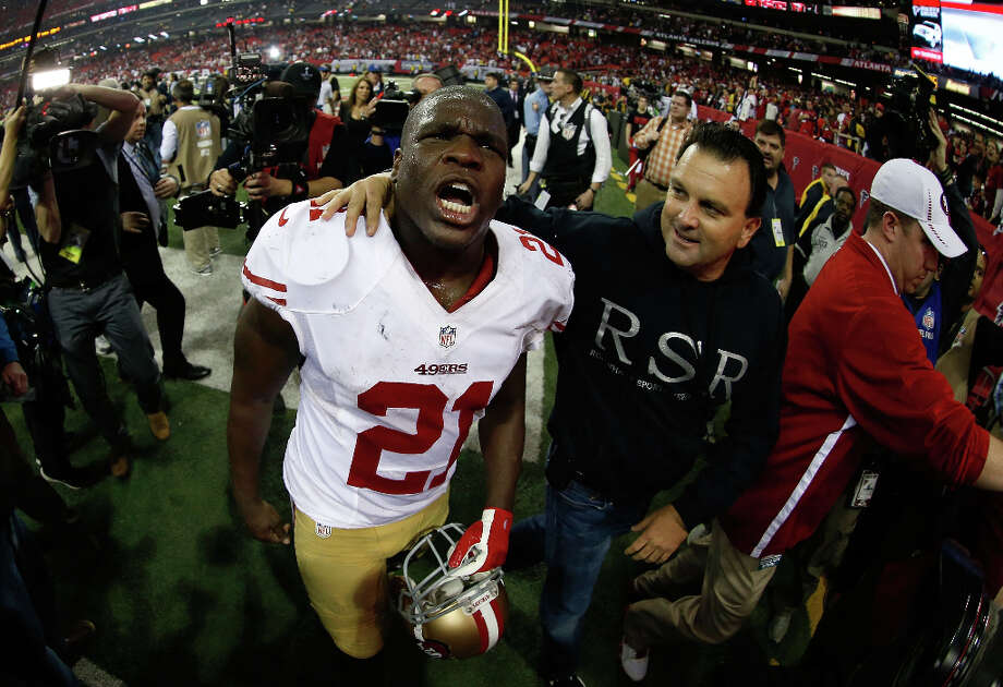 49ers running back Frank Gore celebrates after defeating the Falcons. Photo: Chris Graythen / 2013 Getty Images