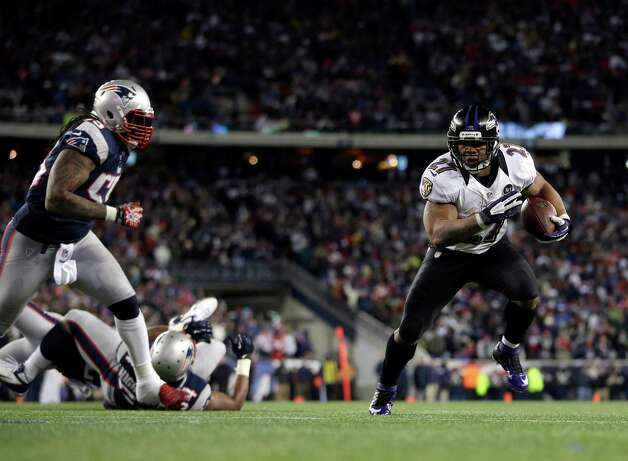 Baltimore Ravens running back Ray Rice (27) runs toward the goal for a 2-yard touchdown during the first half of the NFL football AFC Championship football game against the New England Patriots in Foxborough, Mass., Sunday, Jan. 20, 2013. (AP Photo/Matt Slocum) Photo: Matt Slocum, Associated Press / AP