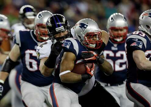 New England Patriots running back Shane Vereen (34) is tackled by Baltimore Ravens defensive end Haloti Ngata (92) during the first half of the NFL football AFC Championship football game in Foxborough, Mass., Sunday, Jan. 20, 2013. (AP Photo/Steven Senne) Photo: Steven Senne, Associated Press / AP