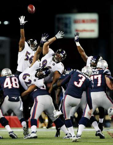 New England Patriots kicker Stephen Gostkowski (3) kicks a 32-yard field goal during the first half of the NFL football AFC Championship football game against the Baltimore Ravens in Foxborough, Mass., Sunday, Jan. 20, 2013. (AP Photo/Stephan Savoia) Photo: Stephan Savoia, Associated Press / AP