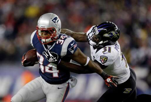 Baltimore Ravens strong safety Bernard Pollard (31) tackles New England Patriots running back Shane Vereen (34) during the first half of the NFL football AFC Championship football game in Foxborough, Mass., Sunday, Jan. 20, 2013. (AP Photo/Steven Senne) Photo: Steven Senne, Associated Press / AP