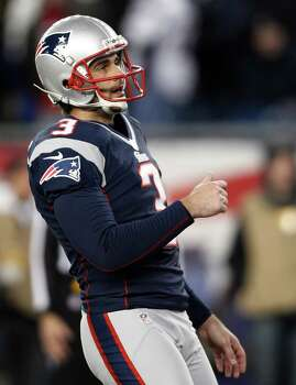 New England Patriots kicker Stephen Gostkowski watches a 25-yard field goal during the first half of the NFL football AFC Championship football game against the Baltimore Ravens in Foxborough, Mass., Sunday, Jan. 20, 2013. (AP Photo/Stephan Savoia) Photo: Stephan Savoia, Associated Press / AP