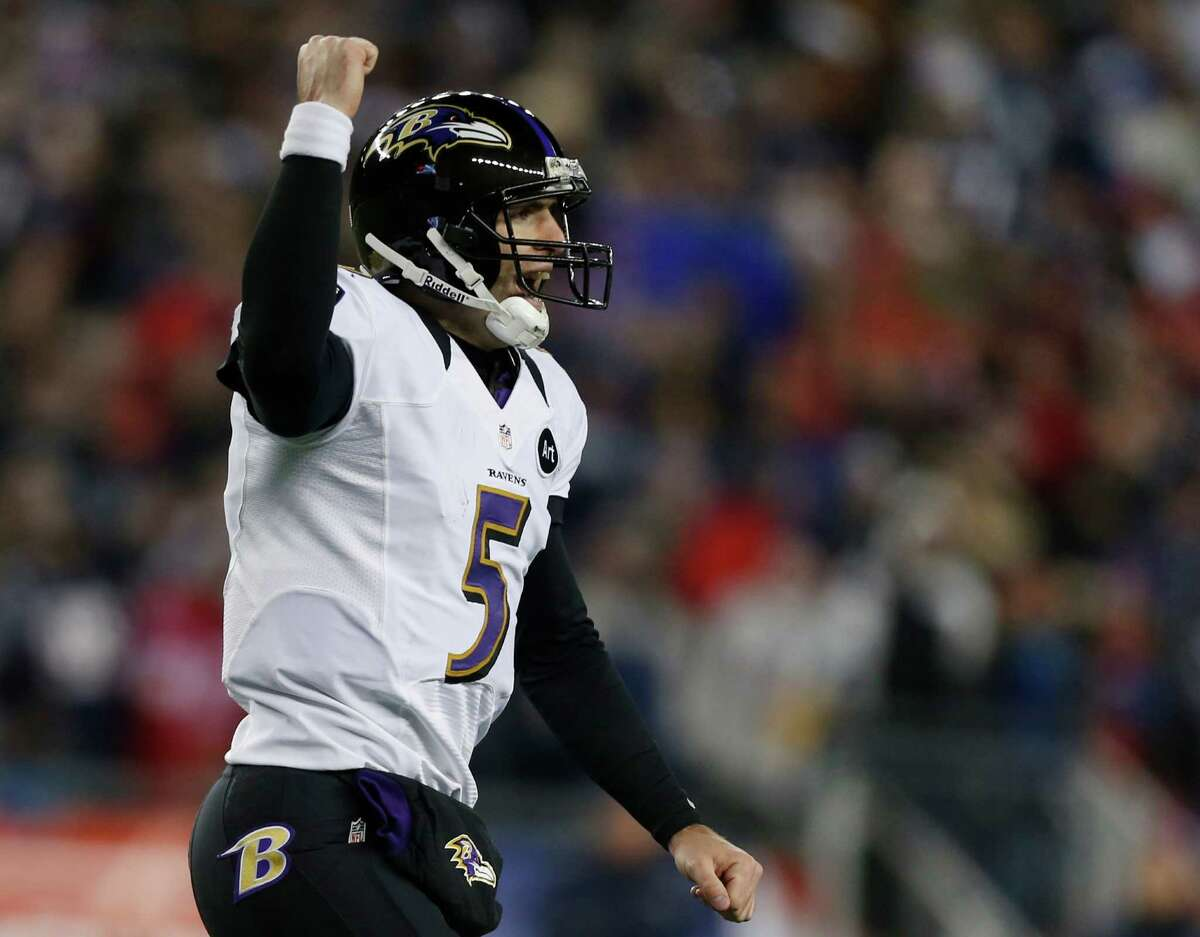 Baltimore Ravens quarterback Joe Flacco celebrates after an 11-yard touchdown pass to Anquan Boldin during the second half of the NFL football AFC Championship football game against the New England Patriots in Foxborough, Mass., Sunday, Jan. 20, 2013. (AP Photo/Charles Krupa)