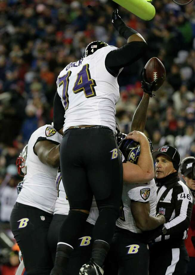Baltimore Ravens wide receiver Anquan Boldin (81) reacts with teammates following a touchdown during the second half of the NFL football AFC Championship football game against the New England Patriots in Foxborough, Mass., Sunday, Jan. 20, 2013. (AP Photo/Elise Amendola) Photo: Elise Amendola, Associated Press / AP