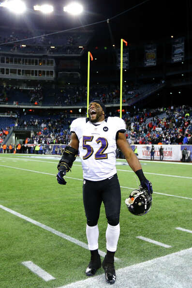 Ray Lewis #52 of the Ravens celebrates after defeating the Patriots.