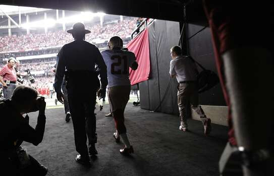 Running back Frank Gore (21) takes the field at the start of the San Francisco 49ers game against the Atlanta Falcons in the NFC Championship game at the Georgia Dome in Atlanta, GA., on Sunday January 20, 2013. Photo: Carlos Avila Gonzalez, The Chronicle