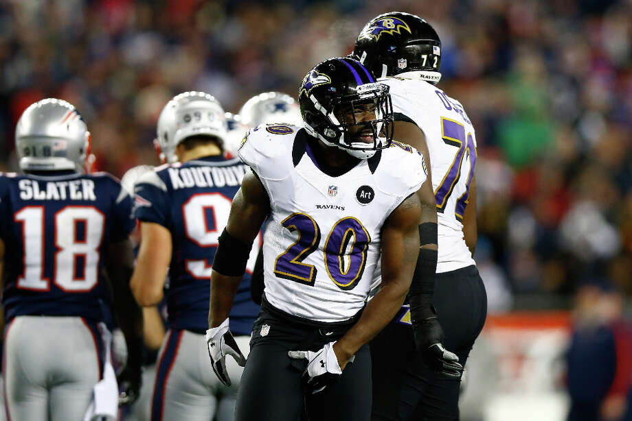 Ed Reed #20 of the Ravens celebrates after a play against the Patriots. Photo: Jared Wickerham, Getty Images / 2013 Getty Images