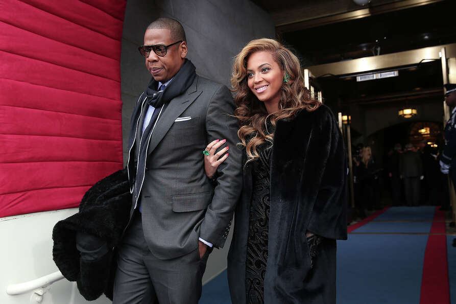 WASHINGTON, DC - JANUARY 21:  Recording artists Jay-Z and Beyonce arrive at the presidential inaugur