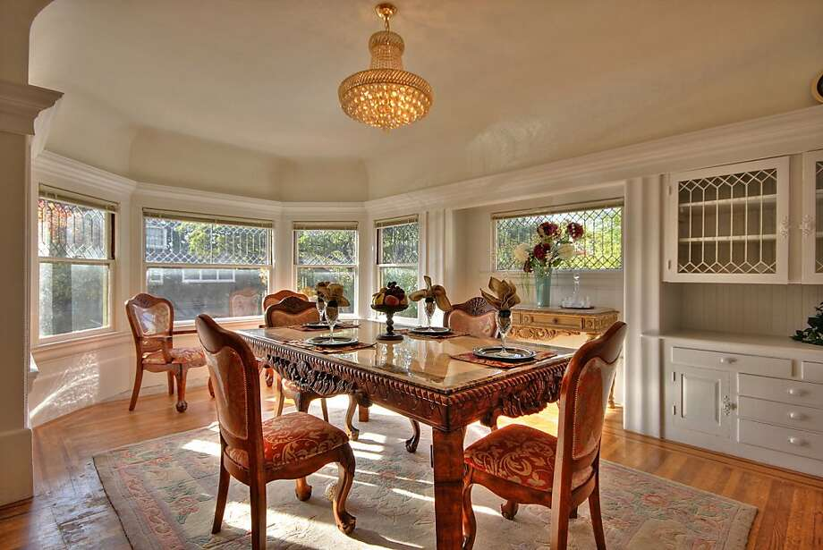 The home has leaded glass windows. Photo: William Botero/Blu