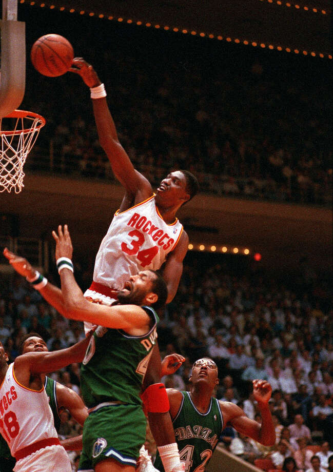 Named to the All-NBA team 12 times, Hakeem was a cut above the competition. Photo: TIM JOHNSON, ASSOCIATED PRESS / AP