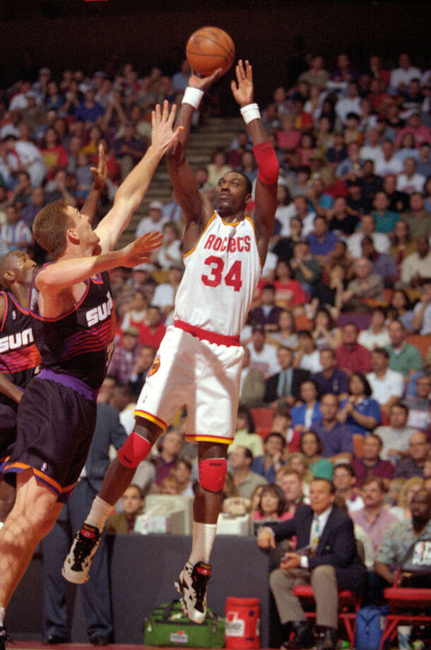 Behind Hakeem, the Rockets rallied from a 3-1 deficit to beat the Phoenix Suns in the second round of the 1995 playoffs. Photo: Paul S. Howell, Houston Chronicle / Houston Chronicle