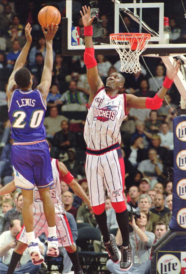 Hakeem averaged 3.1 blocks per game during his career. Photo: TIM JOHNSON, AP / AP