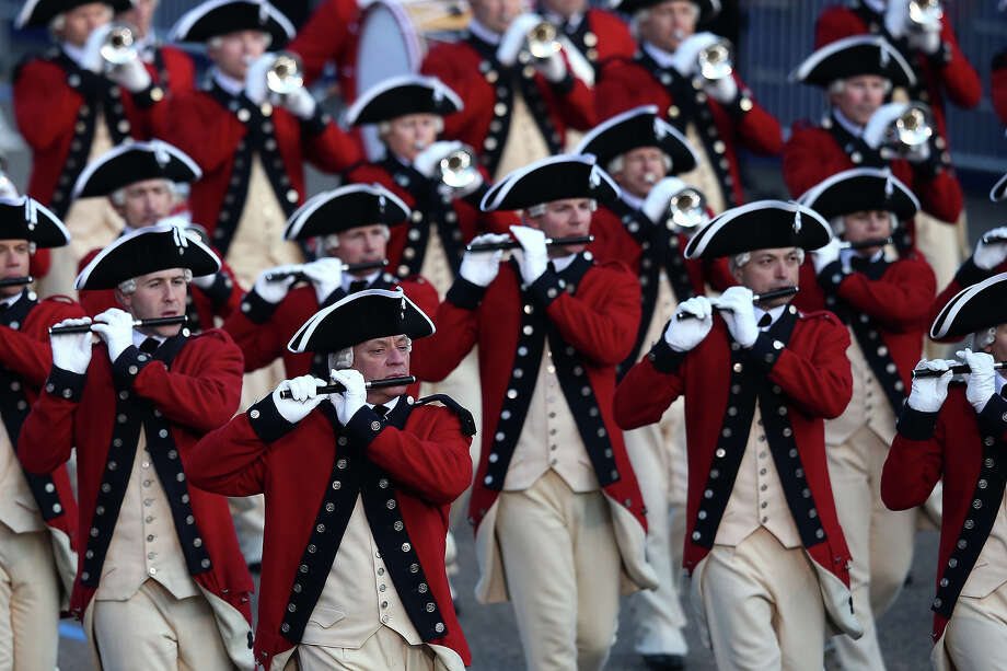 WASHINGTON, DC - JANUARY 21:  The Fife and Drum Corp band performs as the presidential inaugural parade winds through the nation's capital January 21, 2013 in Washington, DC. Barack Obama was re-elected for a second term as President of the United States. Photo: Mark Wilson, Getty Images / 2013 Getty Images