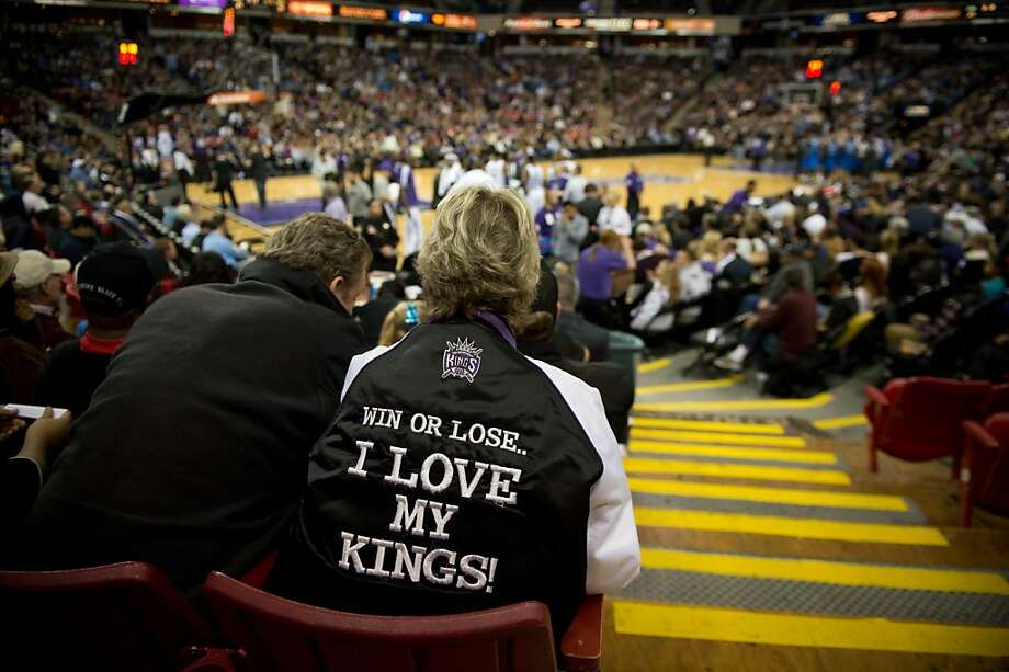 Patti Anderson, a season-ticket holder watching the Kings this month. The Kings' average attendance is the NBA's lowest. Photo: Jose Luis Villegas, Associated Press