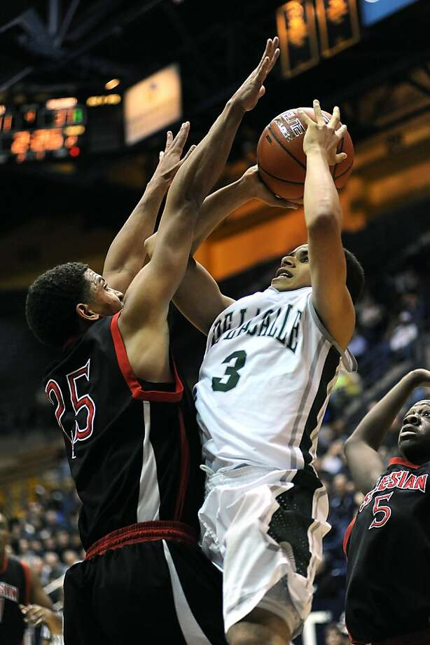 The exclusion of the De La Salle boys, including Justin Hill (3), from the Open Division was already a shock, then the division came up one team short. Photo: Michael Short, Special To The Chronicle