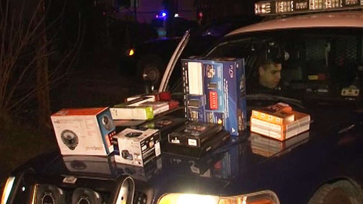 A high-speed chase from a Conroe Best Buy to north Houston ended with the arrest of one theft suspect Monday night. Authorities are searching for other suspects in an apparent theft ring.