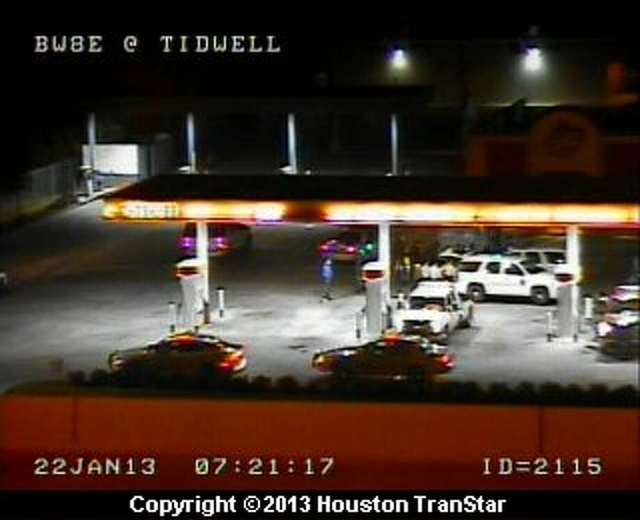 A police chase ended on Beltway 8 east near Tidewell early Tuesday morning. Photo: Houston Transtar