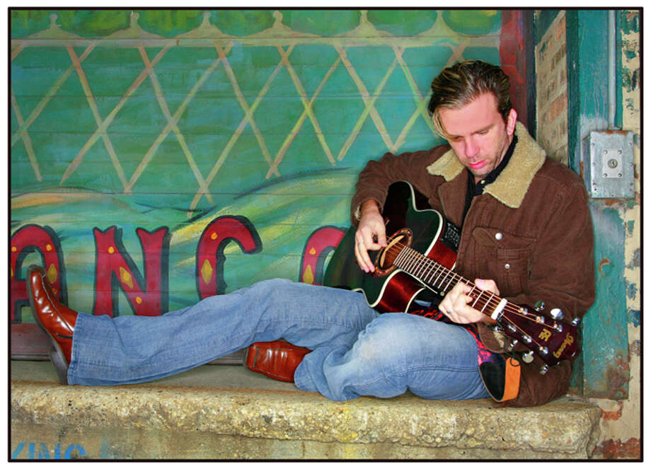 Chris Trapper will perform Saturday, Jan. 26, at the Grooviní  in New Fairfield Coffeehouse Music Series at the New Fairfield Senior Center. Photo: Contributed Photo
