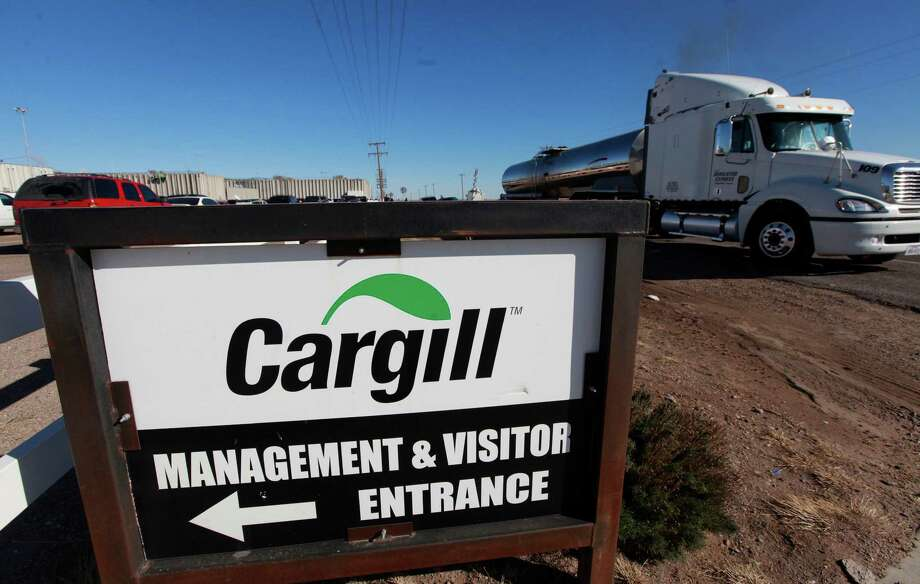 The Cargill beef processing plant in Plainview announced it will idle the plant and lay off all 2,000 workers because of a tight cattle supply following years of drought. The company said workers in Plainview will be let go Feb. 1, and plants in Friona, Texas, Dodge City, Kan., and Fort Morgan, Colo., will get cattle that previously would have been sent to Plainview. (AP Photo/The Avalanche-Journal, Stephen Spillman) ALL LOCAL TV OUT Photo: Stephen Spillman, Associated Press / Lubbock Avalanche-Journal