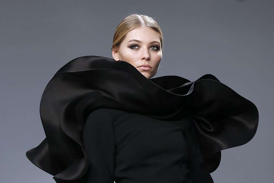 Hats off to French designer Stephane Rolland, who's created a Snuggie suitable for the opera.