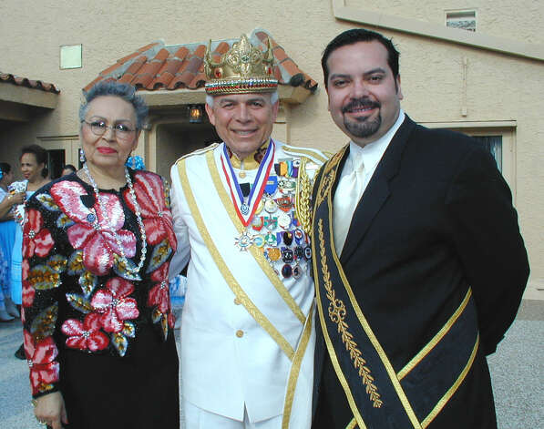 Amelia Garza, Jose Martinez (53rd Rey Feo) and Henry Muñoz lll, regent of the Consejo, were at the St. Anthony Hotel on April 28, 2001, for the El Consejo Real De Reyes Fecs Antiores reception. Photo: LELAND A. OUTZ