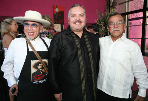 "George Cortez, Henry R. Muñoz III and Jesse Treviño, co-founders of Museo Alameda, were at the ""Gala La Epoca De Oro"" 60th Anniversary of the Alameda Theater on Aug. 20, 2009, at the Museo Alameda. Photo: LELAND A. OUTZ, SPECIAL TO THE EXPRESS-NEWS / SAN ANTONIO EXPRESS-NEWS"