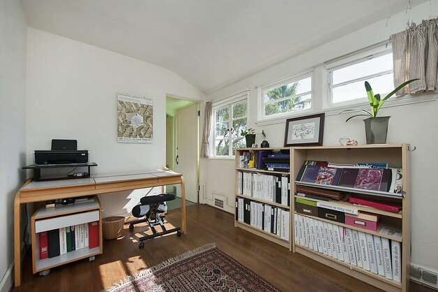 There is an abundance of natural lighting in the $2.9 million Oakland home. Photo: Thomas Grubba Photography