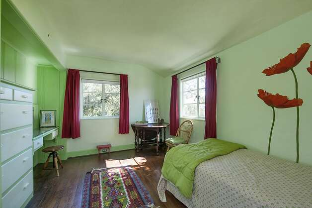 The home is roughly 4,000 square feet and has eight bedrooms.  Photo: Thomas Grubba Photography