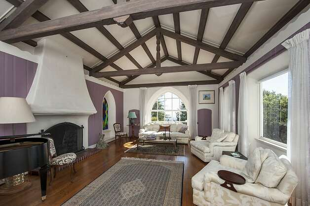 Vaulted ceilings with beams quotes for Vaulted ceiling exposed beams