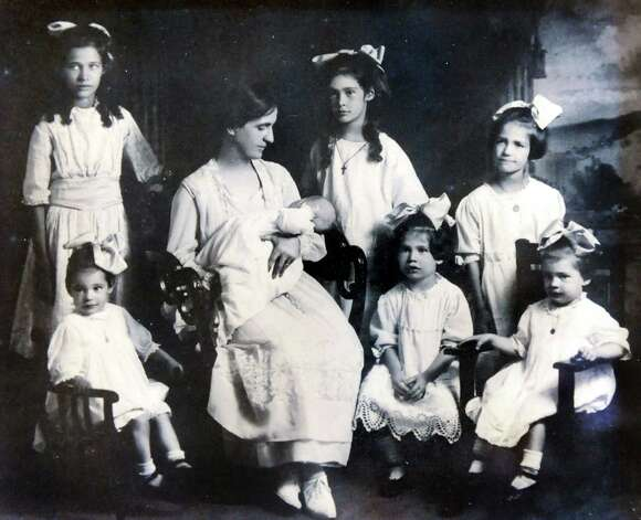Copied photo of the seven Wheeler sisters and their mother on Tuesday, Jan. 22, 2013, at Louise House in Menands, N.Y. Sister nuns Elaine and Jean Marie just recently died within 24 hours of each other. (Cindy Schultz / Times Union) Photo: Cindy Schultz / 00020867A