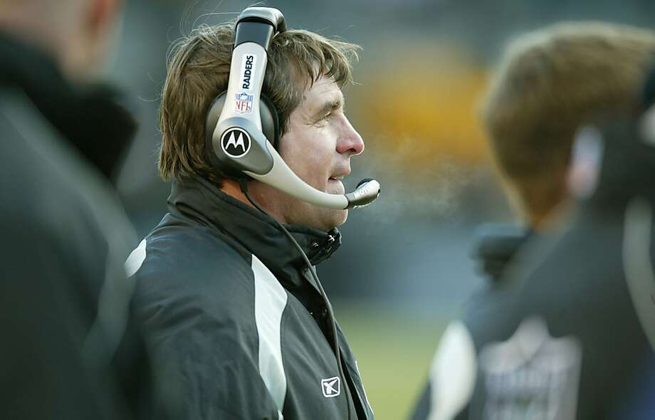 Ex-Raider Tim Brown accused then-head coach Bill Callahan (above) of sabotaging their chances in Super Bowl XXXVII. Photo: Michael Macor, SFC