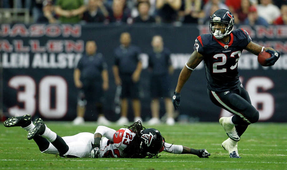 It's kinda backwards to me. We proclaim a religion early in life, then spend our time learning about it.— Arian Foster (@ArianFoster) February 5, 2013 Photo: Karen Warren, Houston Chronicle / © 2011 Houston Chronicle