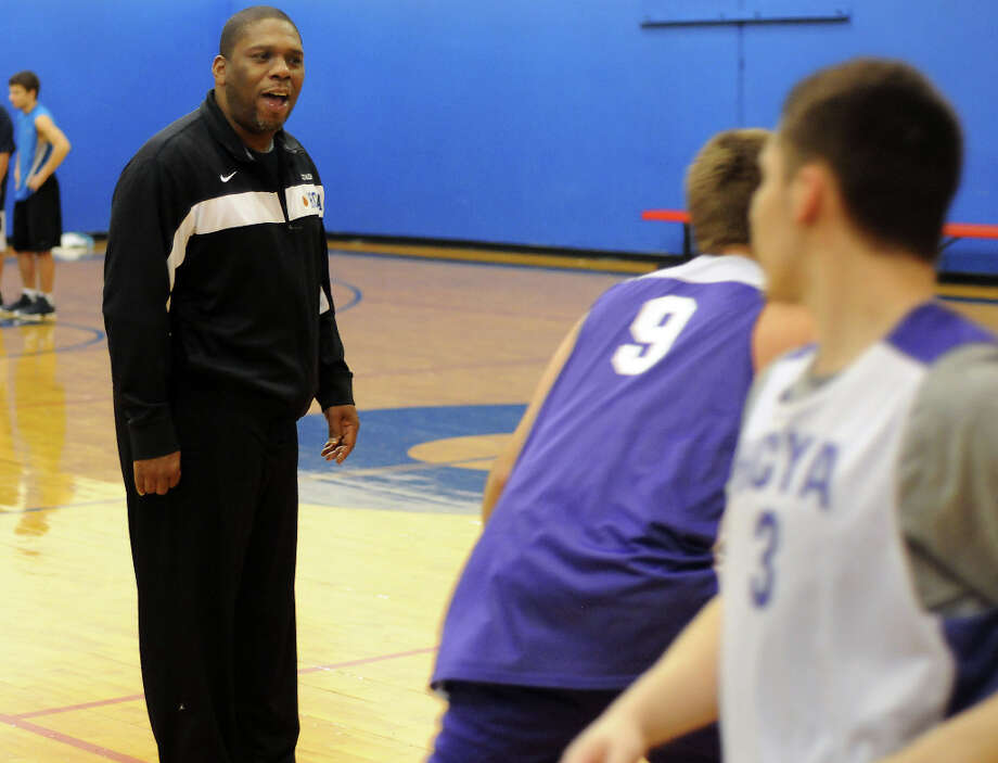 Rhodes instructs his players at the Lutheran North Gym. Photo: Dave Rossman, For The Houston Chronicle / © 2012 Dave Rossman