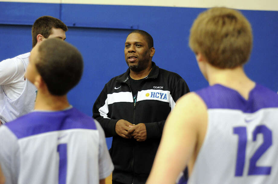Rhodes loves to teach the game. Photo: Dave Rossman, For The Houston Chronicle / © 2012 Dave Rossman